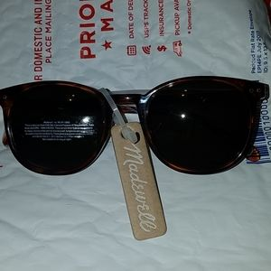 MADEWELL SUNGLASSES NEW 100 UVB UVA